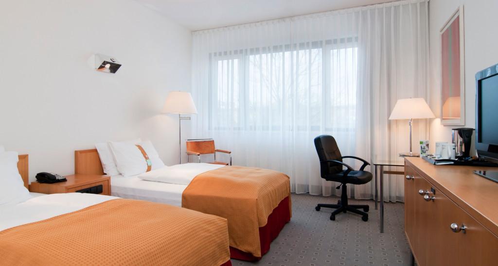 Hotelzimmer-breit